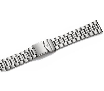 Metal bracelet with clasp