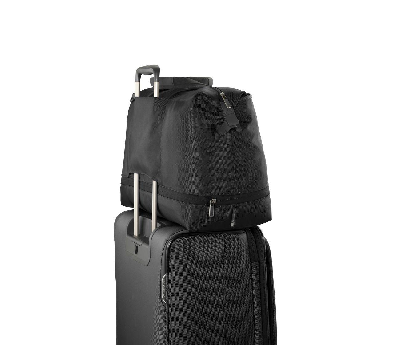 Victorinox Werks Traveler 6 0 Weekender Xl In Black 605593