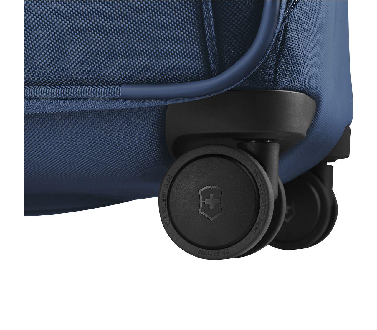 Victorinox Werks Traveler 6 0 Softside Global Carry On In